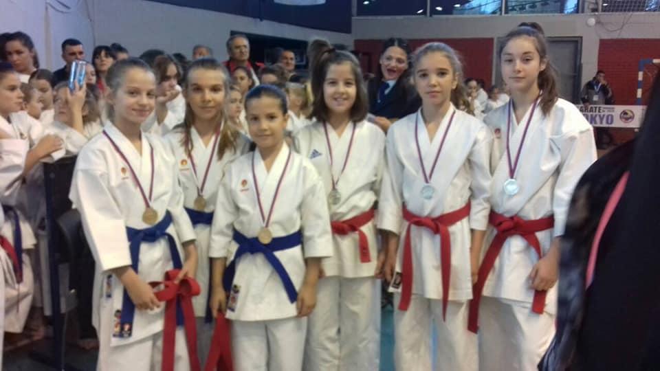Pet medalja na Kupu Srbije u katama